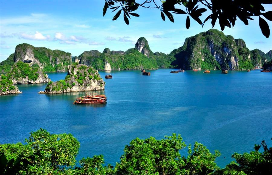 Halong Bay Vietnam-The best destinations for your vacation in Vietnam