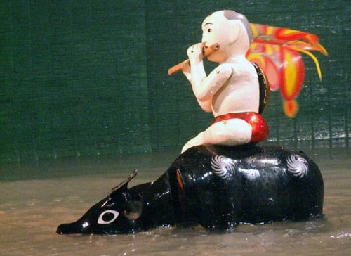 Unique & Interesting Water Puppet Show