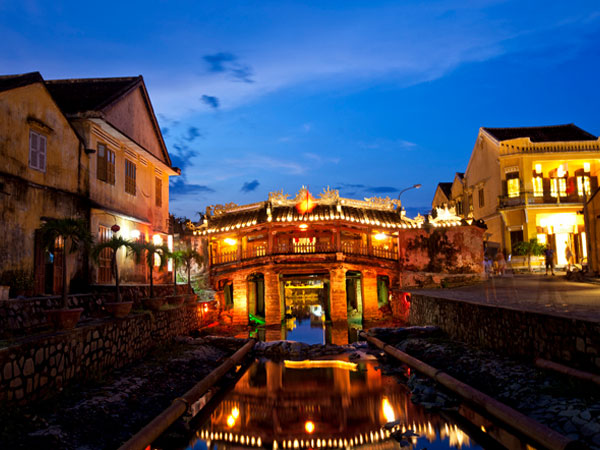 Tour to Da Nang, Hoi An from Hue