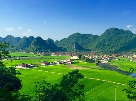 North Vietnam Tour to Halong bay, Bac Son valley & Ba Be national park - 4 Days