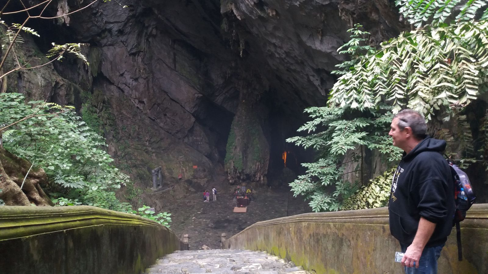Perfume Pagoda Tour -Huong Tich Cave