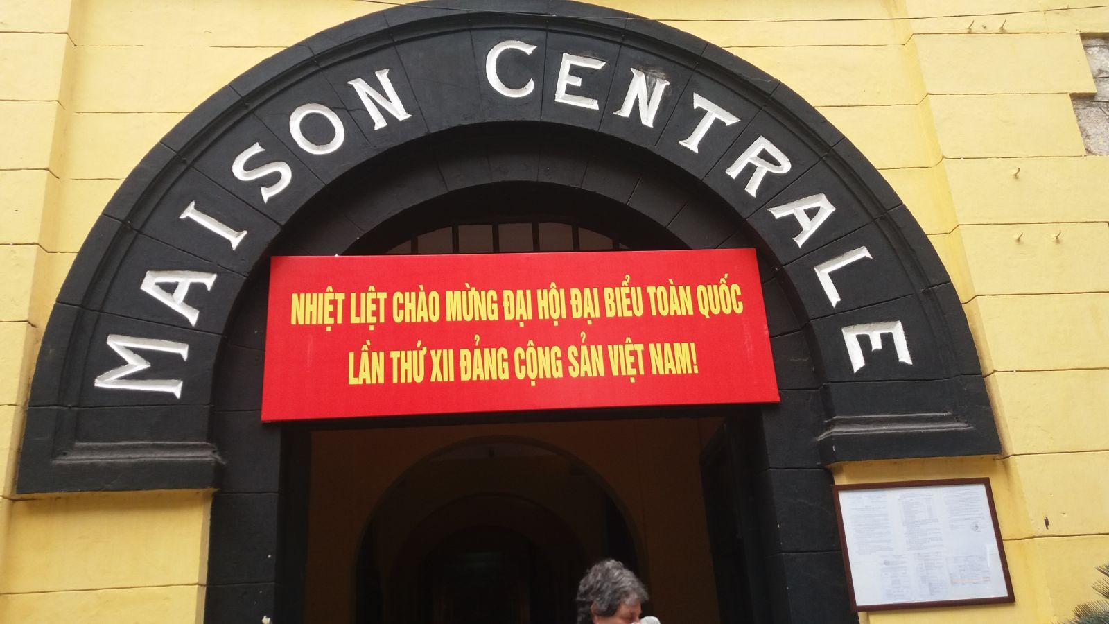 Hanoi history-Hoa Lo prison