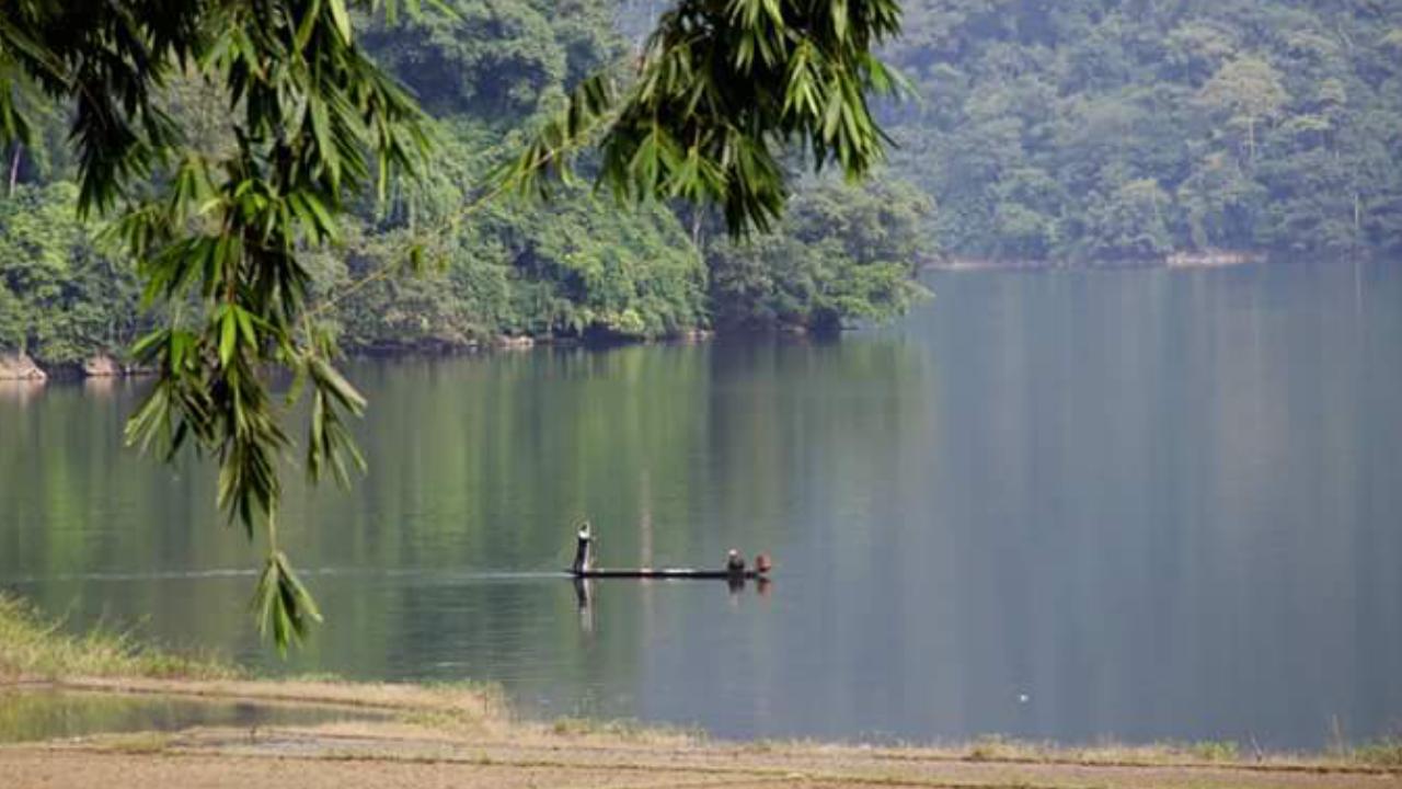 Ba Be lake -local life