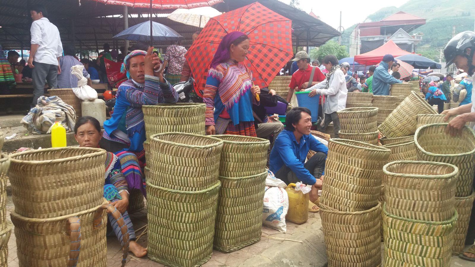 Bac Ha Market- Basket zone