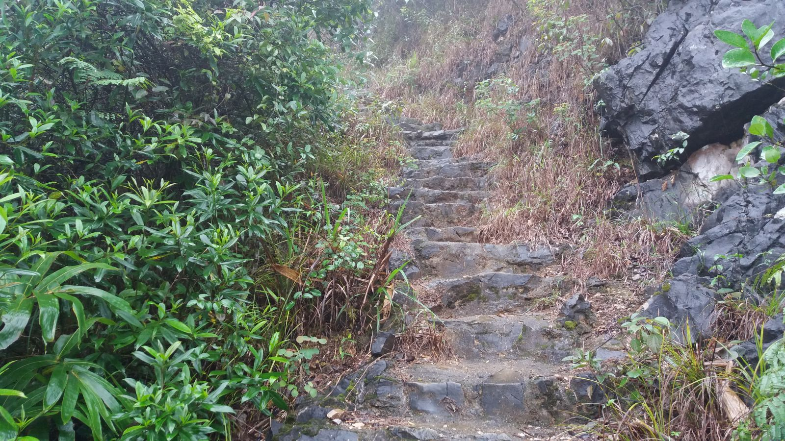 Bac Son travel experiences -trekking route