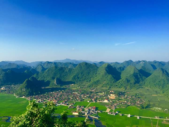 Bac Son travel experience- impressive view of valley