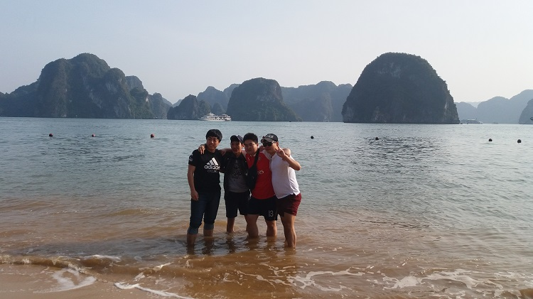 Beach  in Bai Tu Long Bay