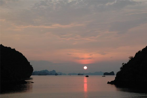 Bai Tu Long Bay Cruise- sunset