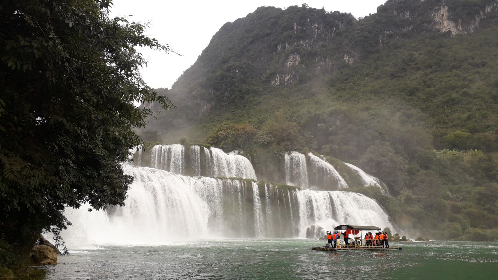 Ban Gioc waterfall - extended Ha Giang tour package