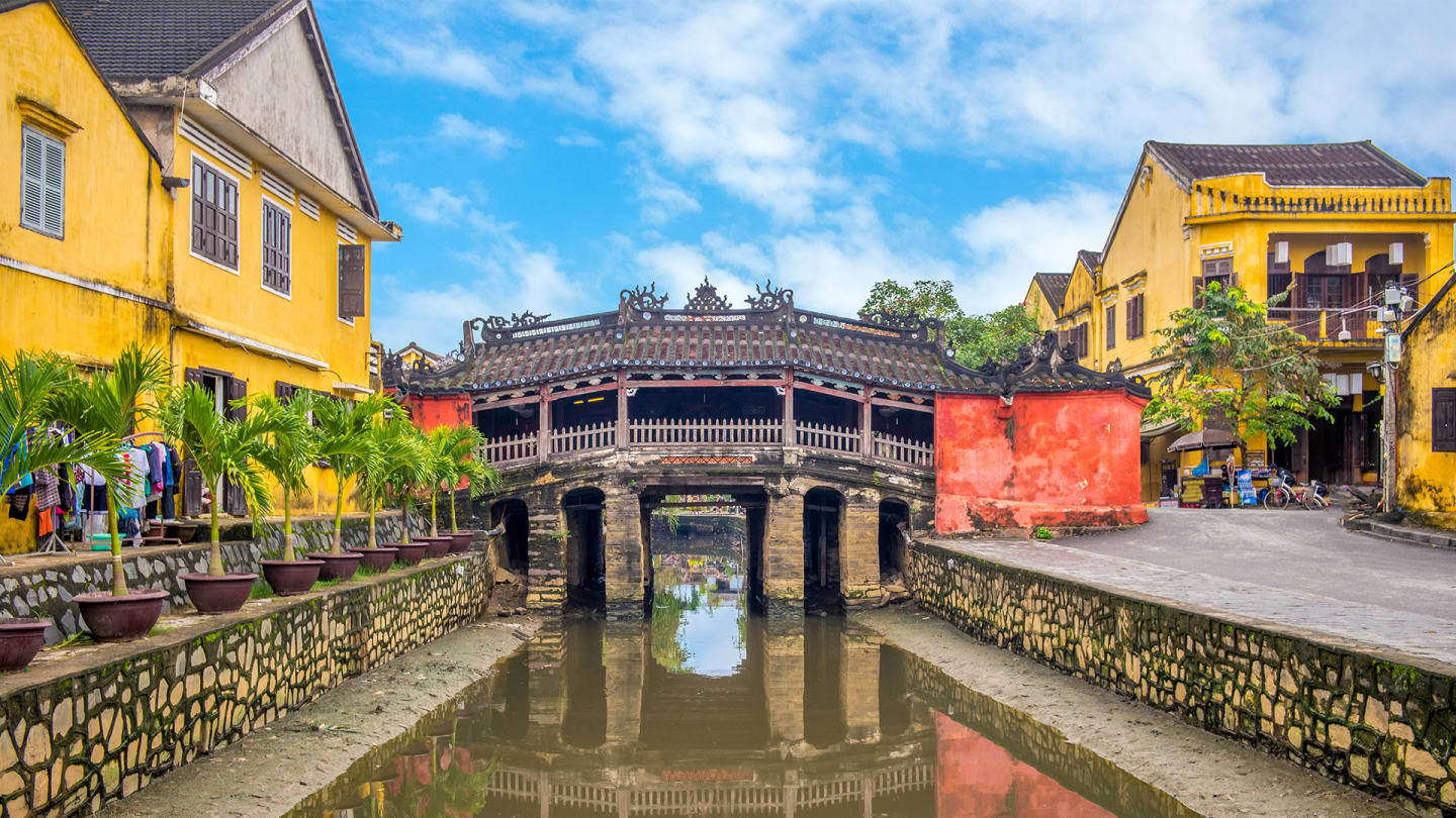 Central Vietnam Tour - Hoi An ancient town