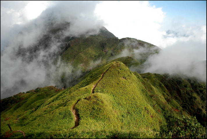 Trekking route Fansipan