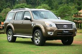Vietnam Car Rental- Ford Everest1
