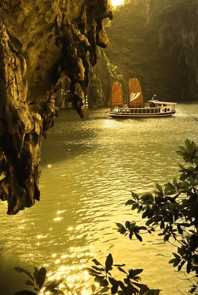 Halong Bay Travel Guide-Halong Beauty