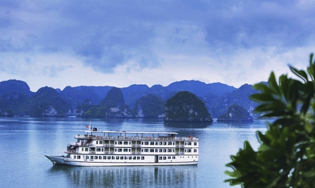 Vietnam Holiday Packages- Halong Bay Beauty
