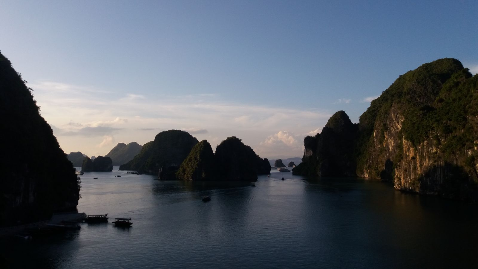 Halong bay cruise -the view from the cave