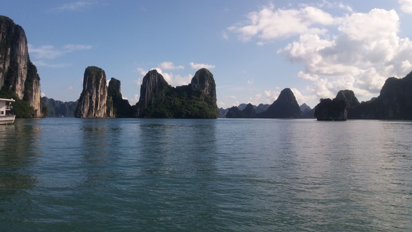 Halong Bay Cruises1