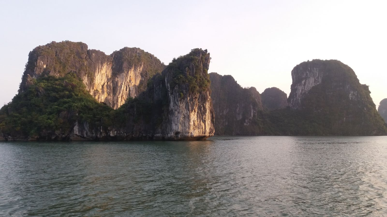 Halong bay beauty