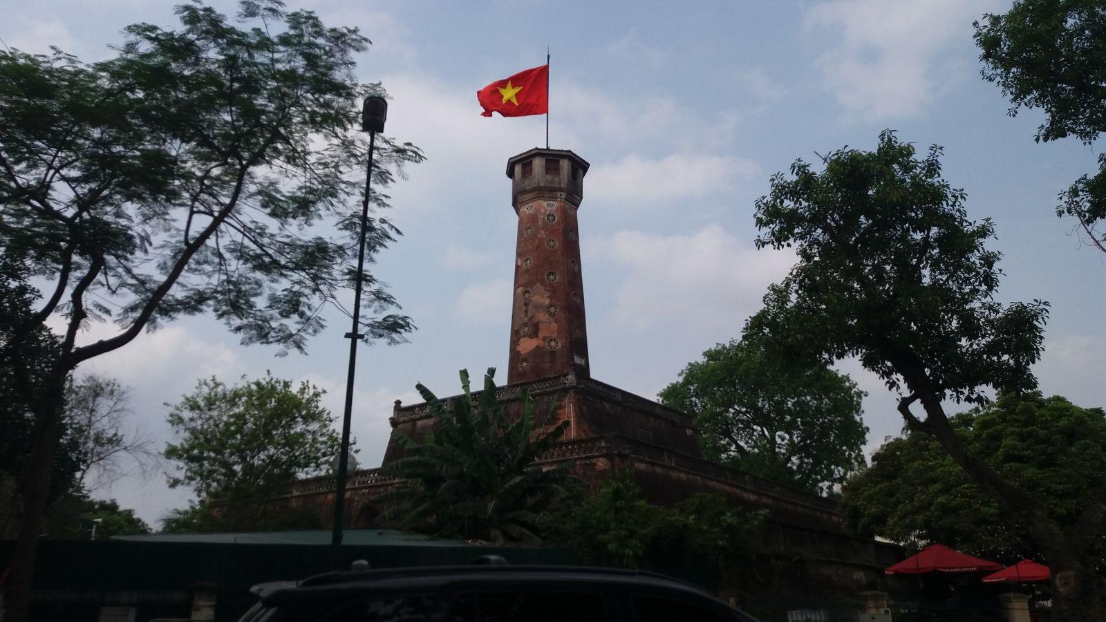 Hanoi day trip to flag tower