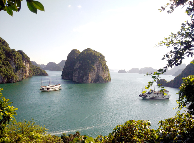 halong bay- hanoi travel packages