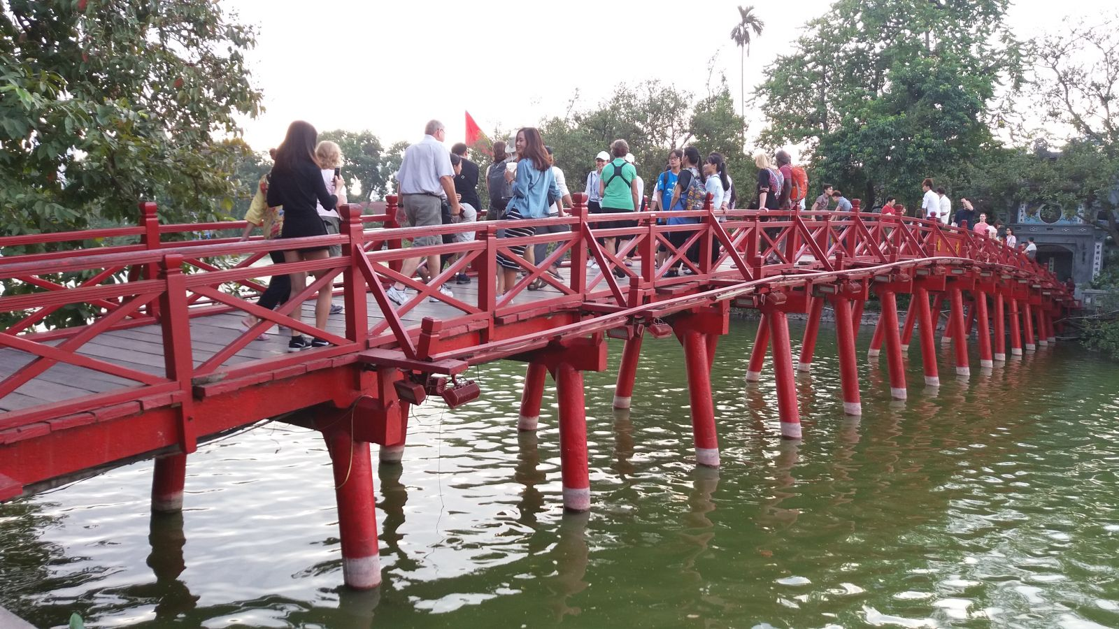 Hanoi tour package -The Huc