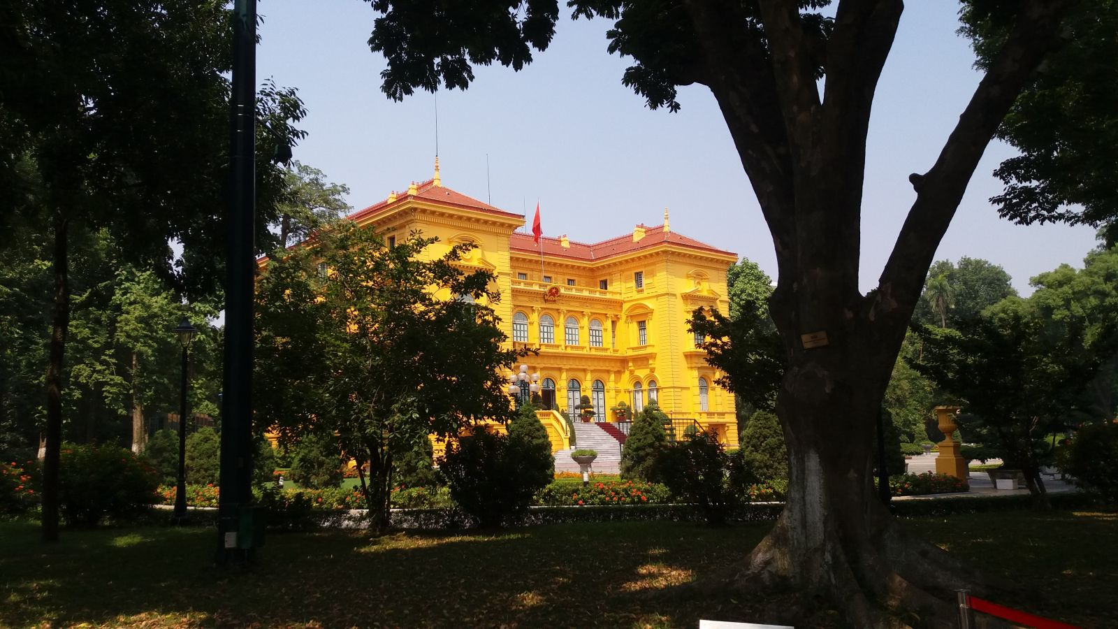 Hanoi tour package to presidential palace