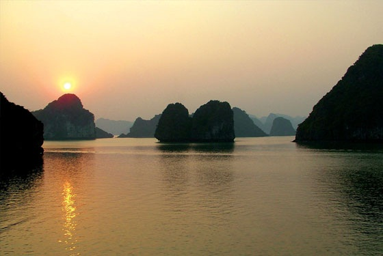 Hanoi tour pacage to Halong bay from Malaysia, Hongkong, Thailand, Indonesia5