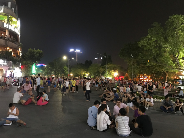 Activities in Hoan iem lake