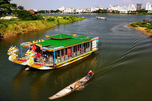 Vietnam Holiday Packages-Hue cruise