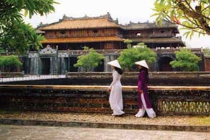 Vietnam Holiday Packages-Hue Beauty