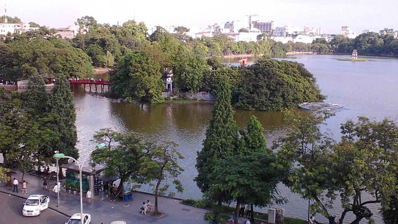Hoan Kiem Lake1