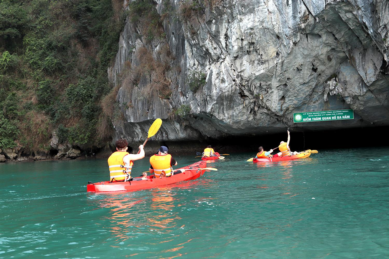 Serinity Cruise- Kayaking