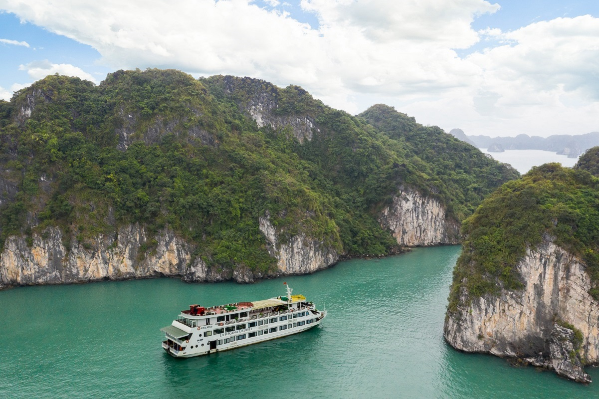 car hire Hanoi airport to Halong bay