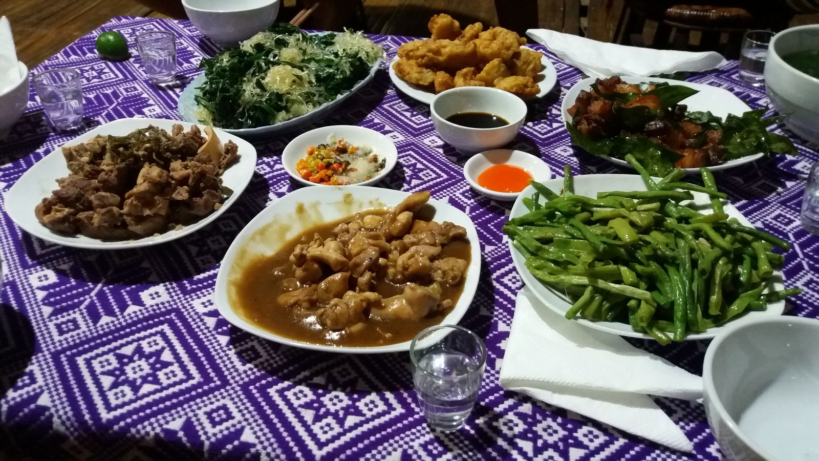 Mu Cang Chai trekking tour -meals with local family