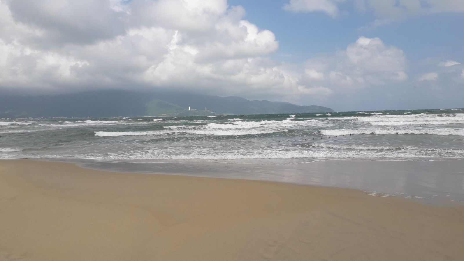 May Khe beach- Da Nang city
