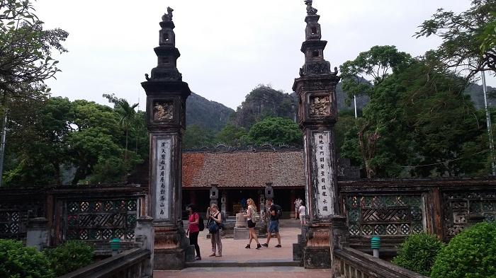 Ninh Binh Tours-Hoa Lu