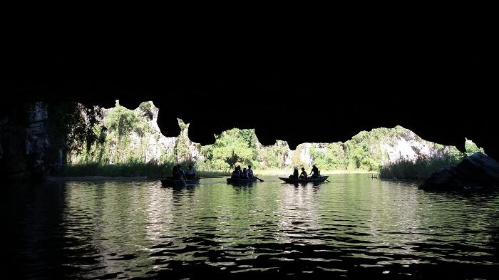 Ninh Binh Tours- cave