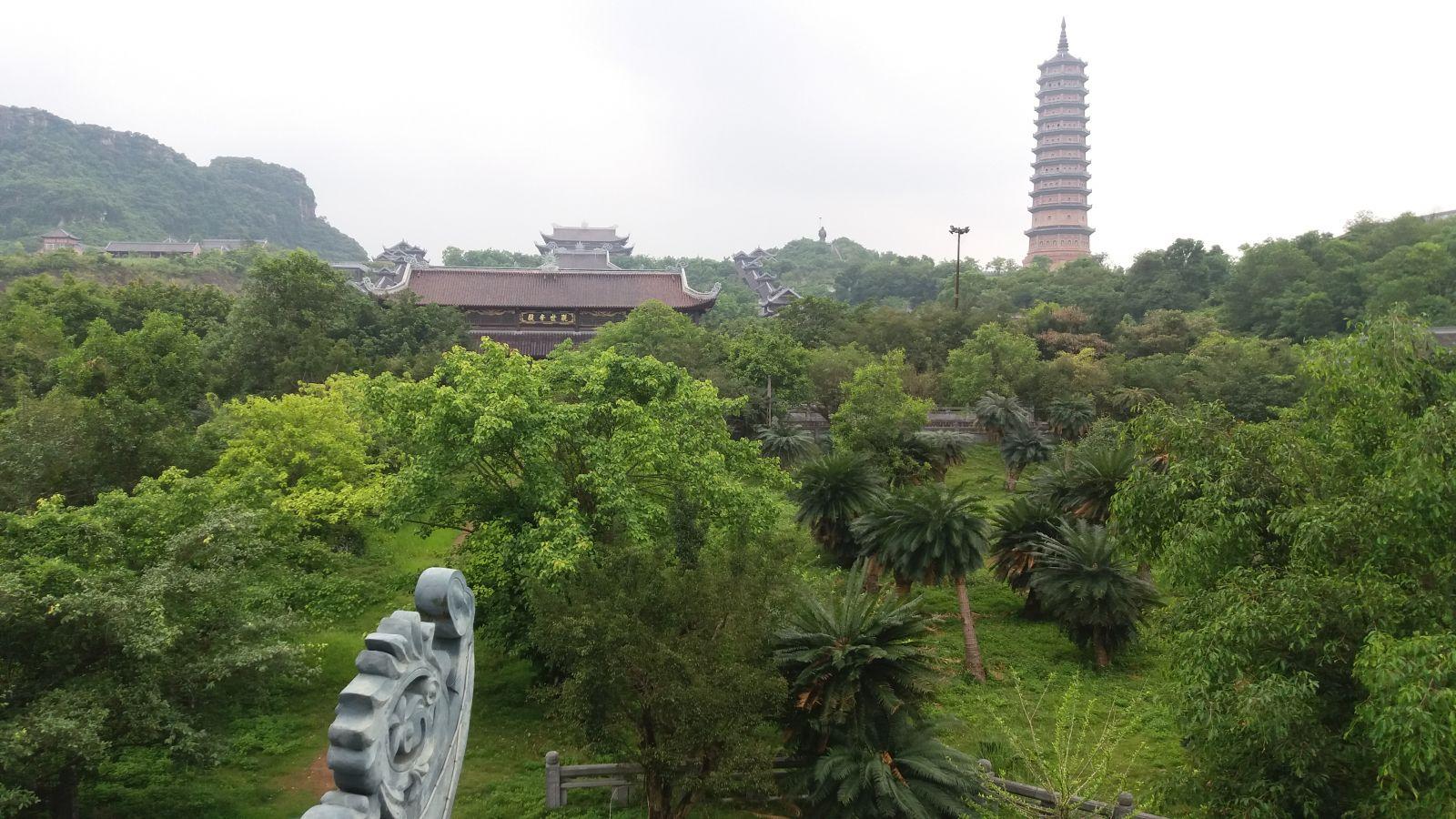 Ninh Binh tour to Bai Dinh pagoda