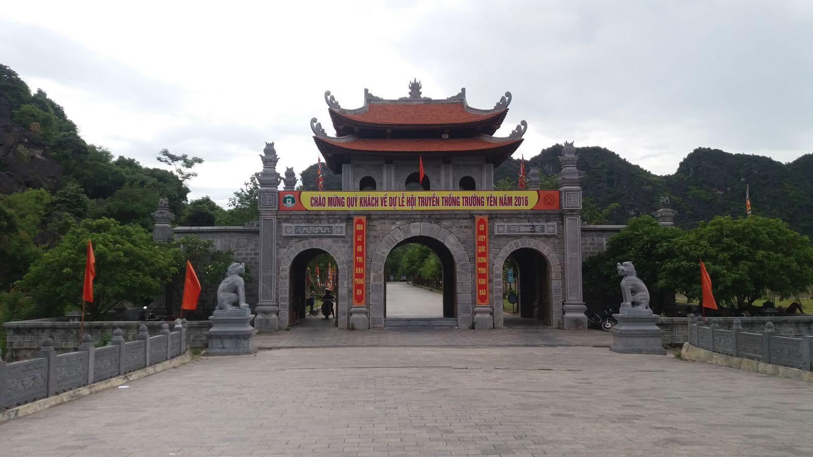 Hoa Lu-Ninh Binh