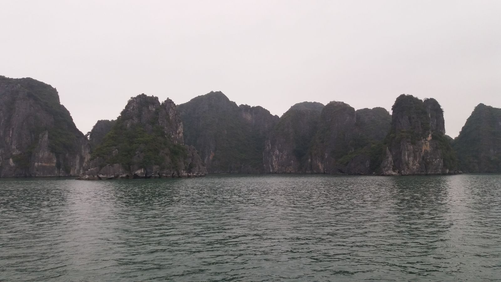 North Vietnam Tour to Halong bay