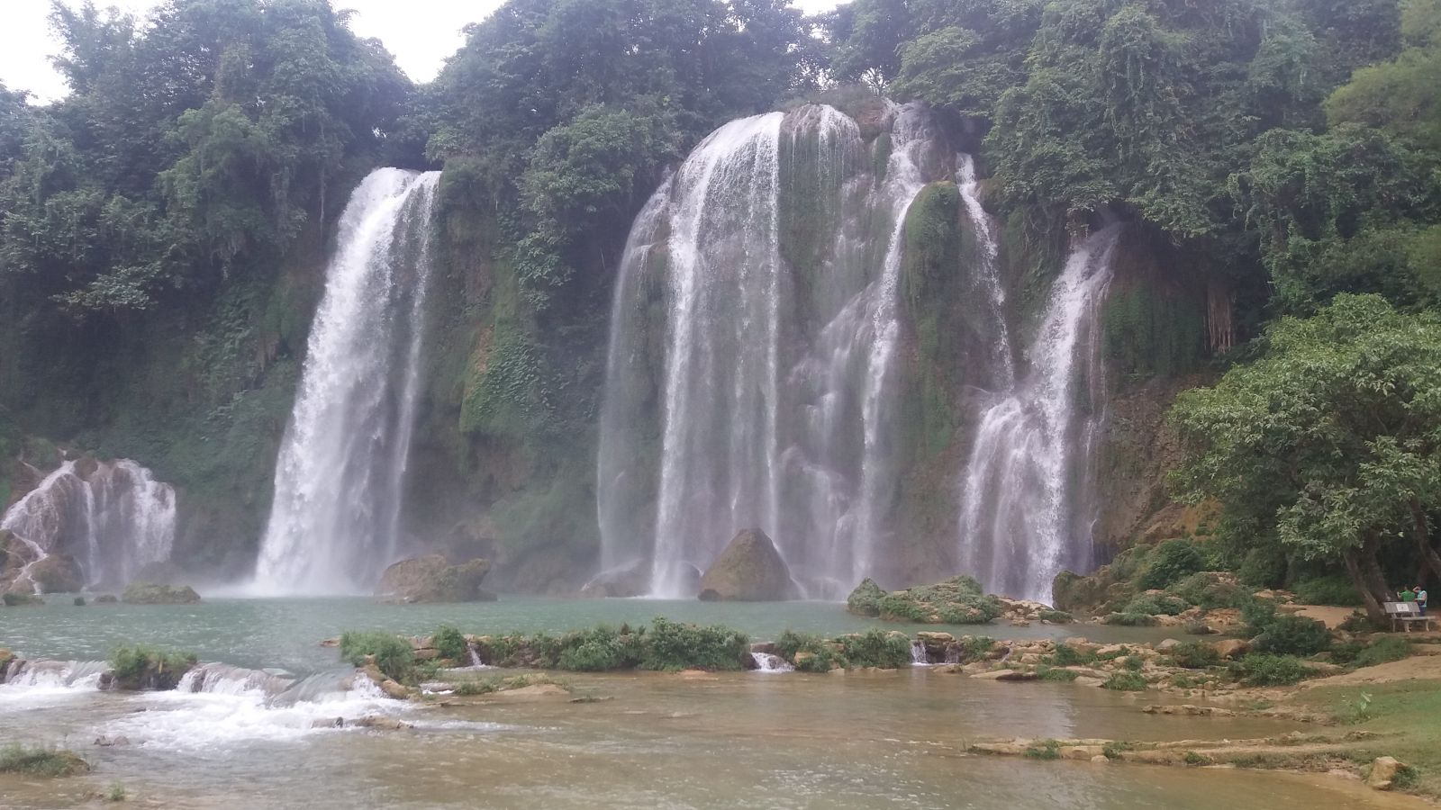 Northeast Vietnam Tour-Ban Gioc waterfall