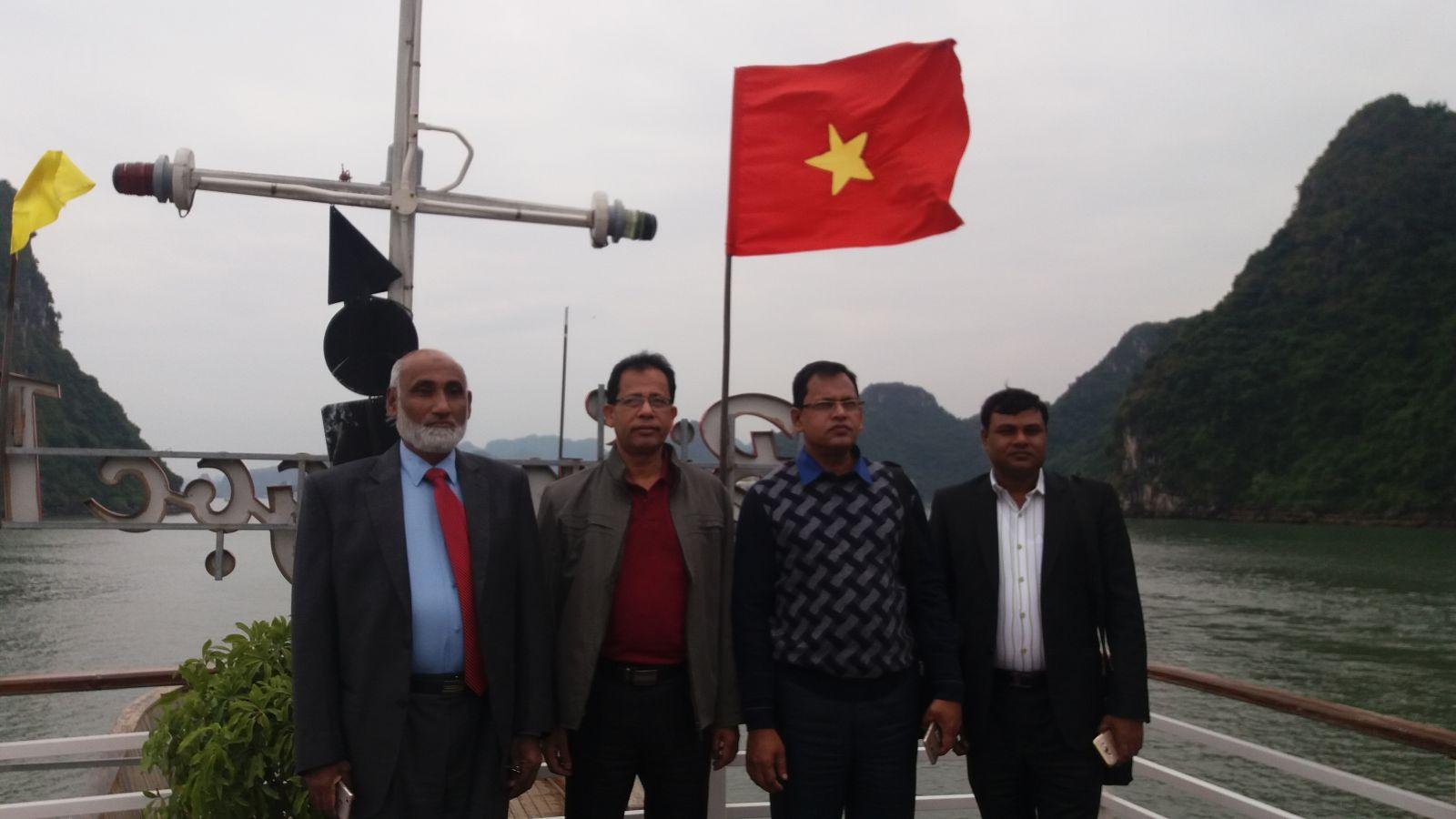 Northern Vietnam tour to Halong bay