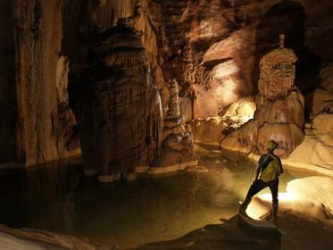 Vietnam World Heritages-Phong Nha Caves