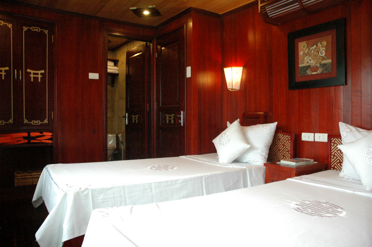 Red Dragon Cruise- Cabin