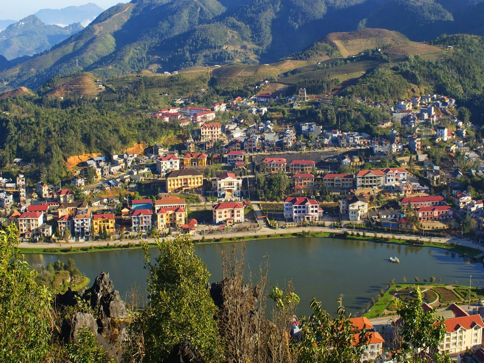 Sapa town lake view from Ham Rong Mountain