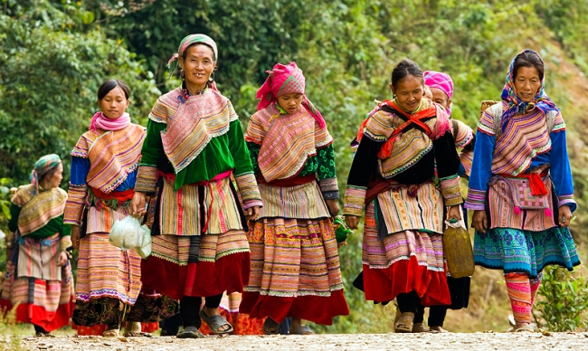 Vietnam Holiday Packages-Bac Ha Market