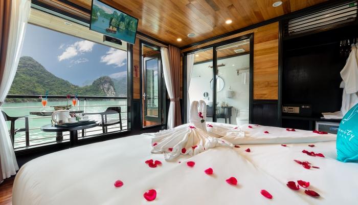 Senior Suite Cabin - Serinity Cruise