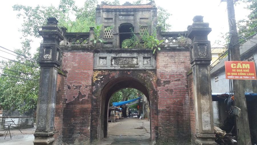 Tho Ha pottery village day trip-gate