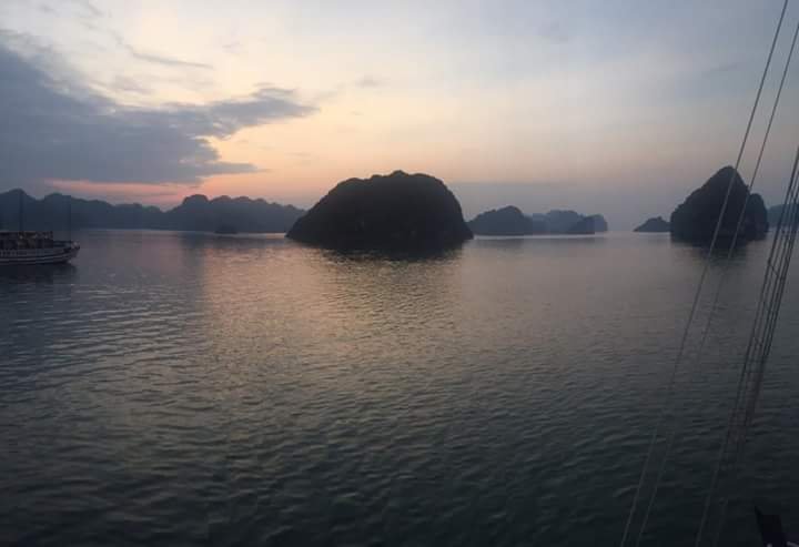 Vietnam adventure tour -Halong bay