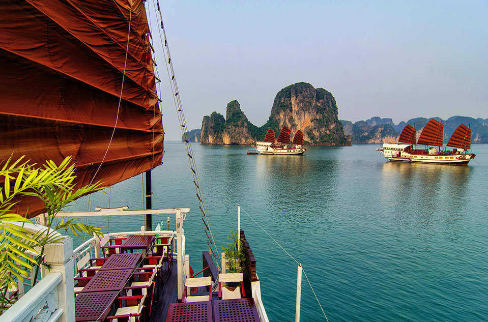 Vietnam Holiday Packages - Halong bay cruise