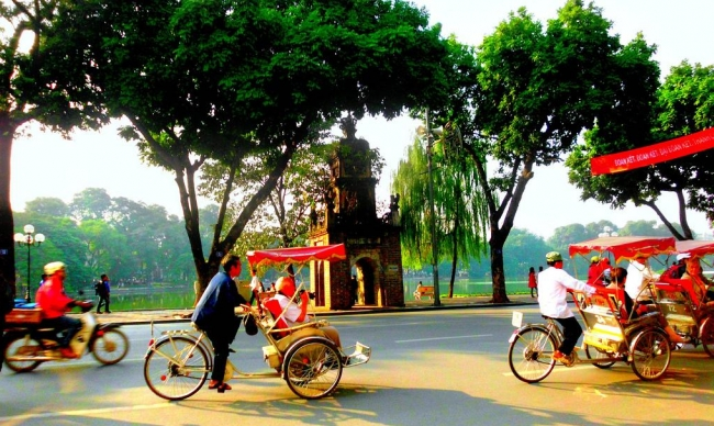 Vietnam Holiday Packages-Cyclo Tour
